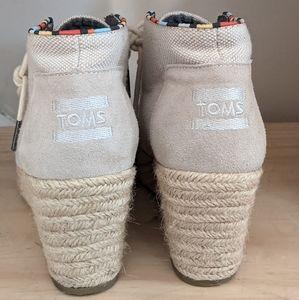 TOMS Cream Color Shoes w Braid Wrap Wedge Heel